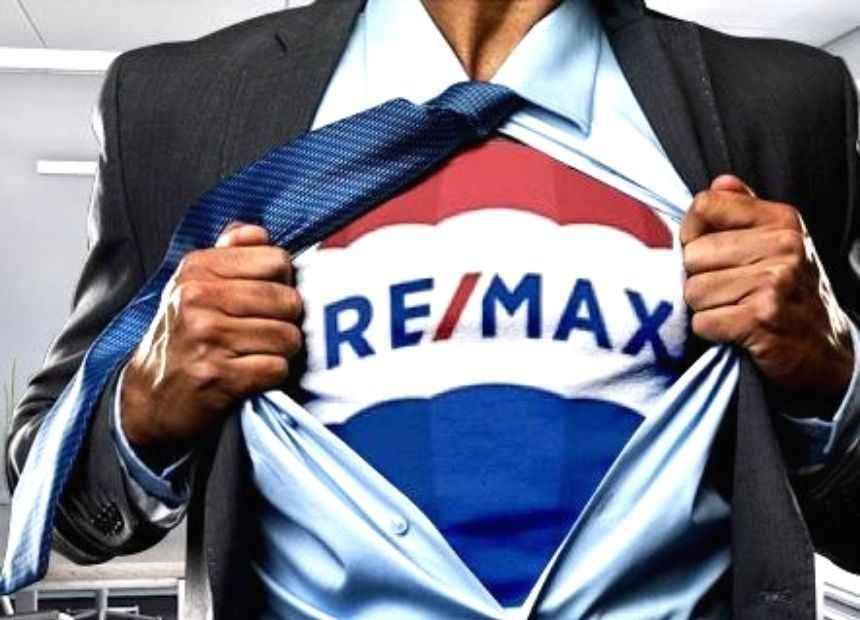 <p>We have an ambitious development plan and we are looking for people who want to be part of our growth: RE/MAX offers a strongly merit-based working environment, sensitive to the potential and needs of individuals, in an international context and based on continuous training programmes.</p>