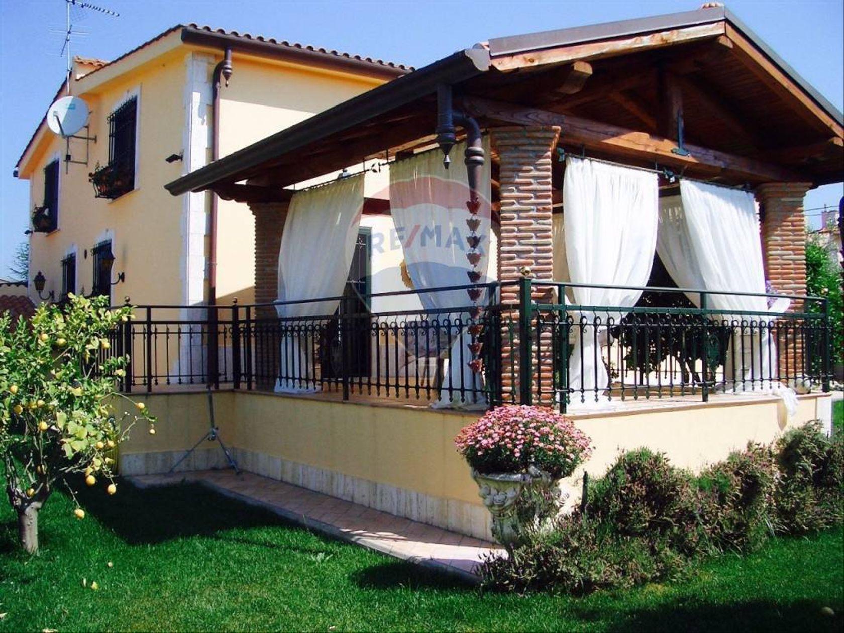 Villa singola Lido dei Pini, Anzio, RM Vendita