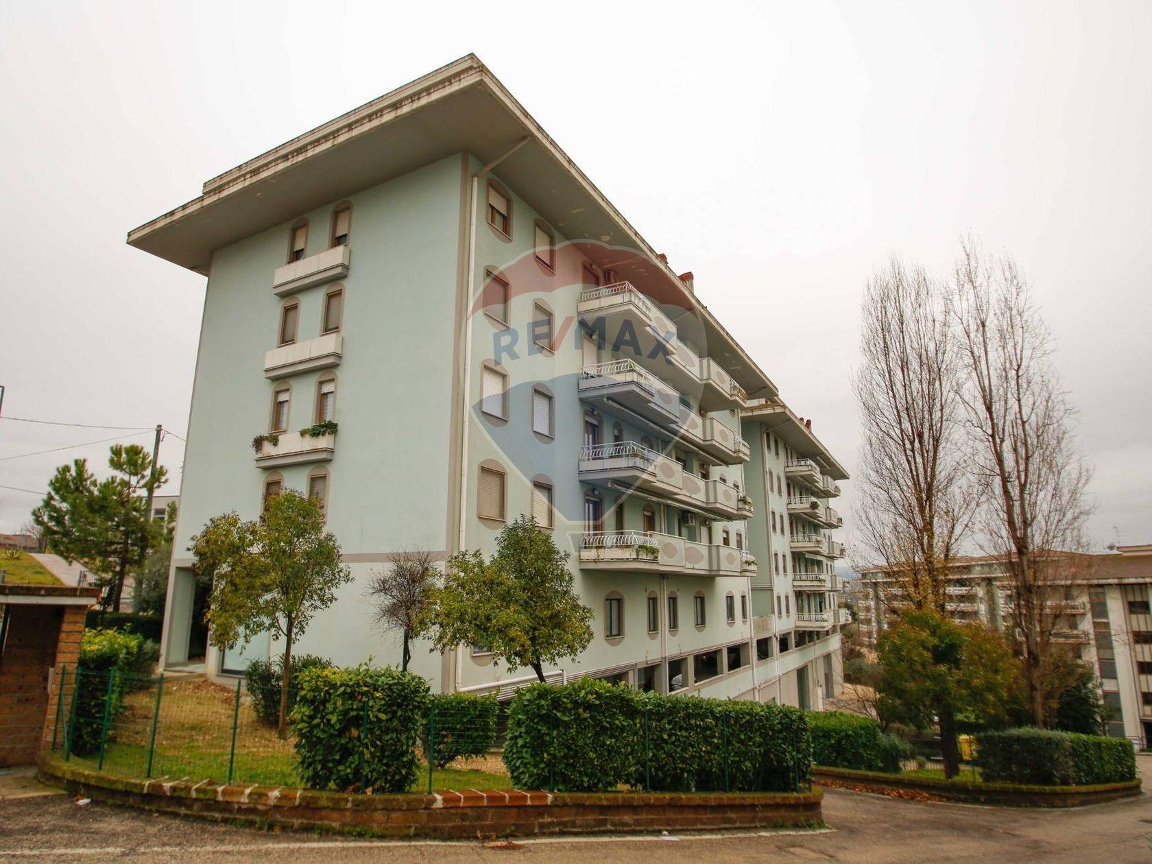 Appartamento Filippone, Chieti, CH Vendita