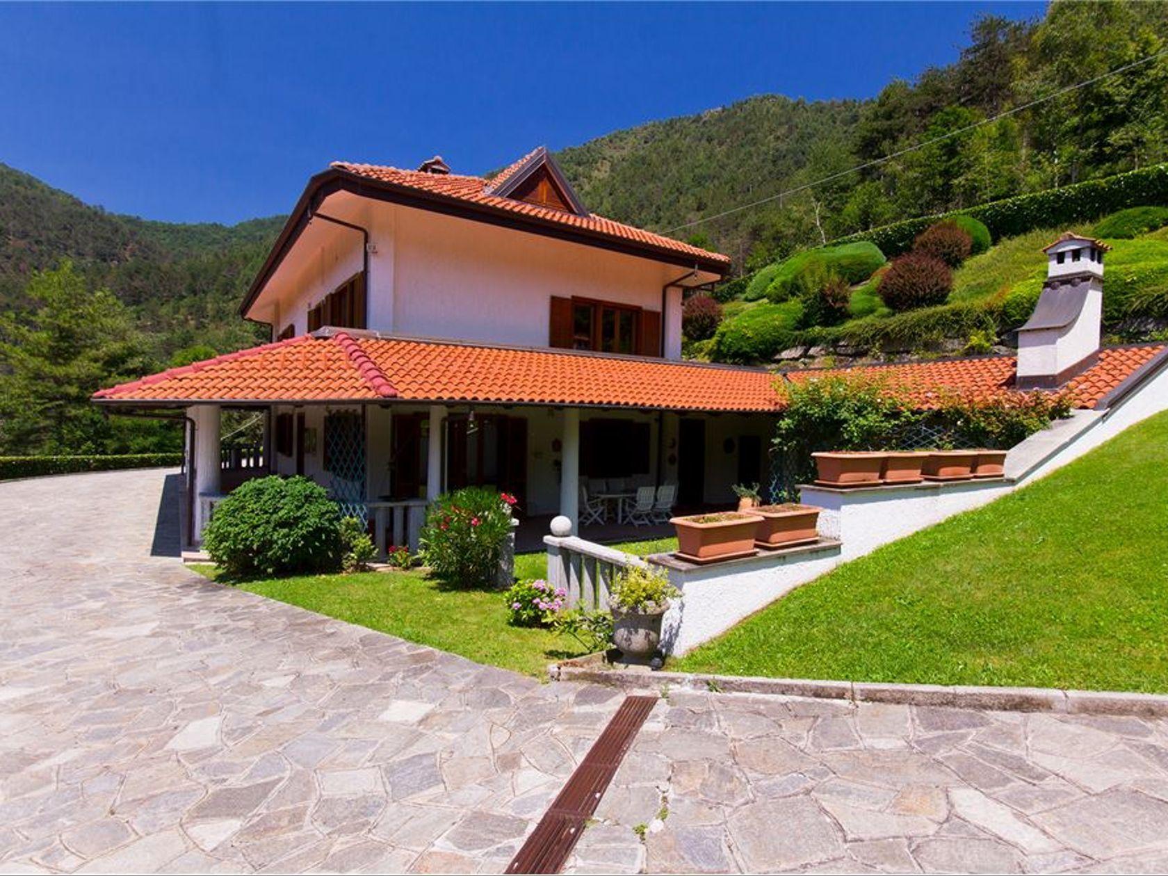 Villa singola Lanzo Torinese, TO Vendita
