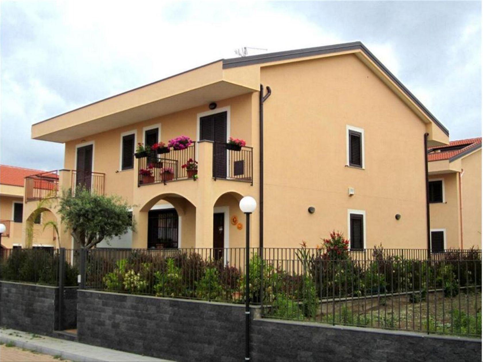 Villa a schiera Gravina di Catania, CT Vendita