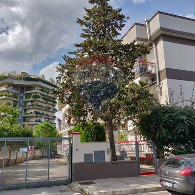 Ufficio In Affitto Bari 20031050-956 | RE/MAX Italia
