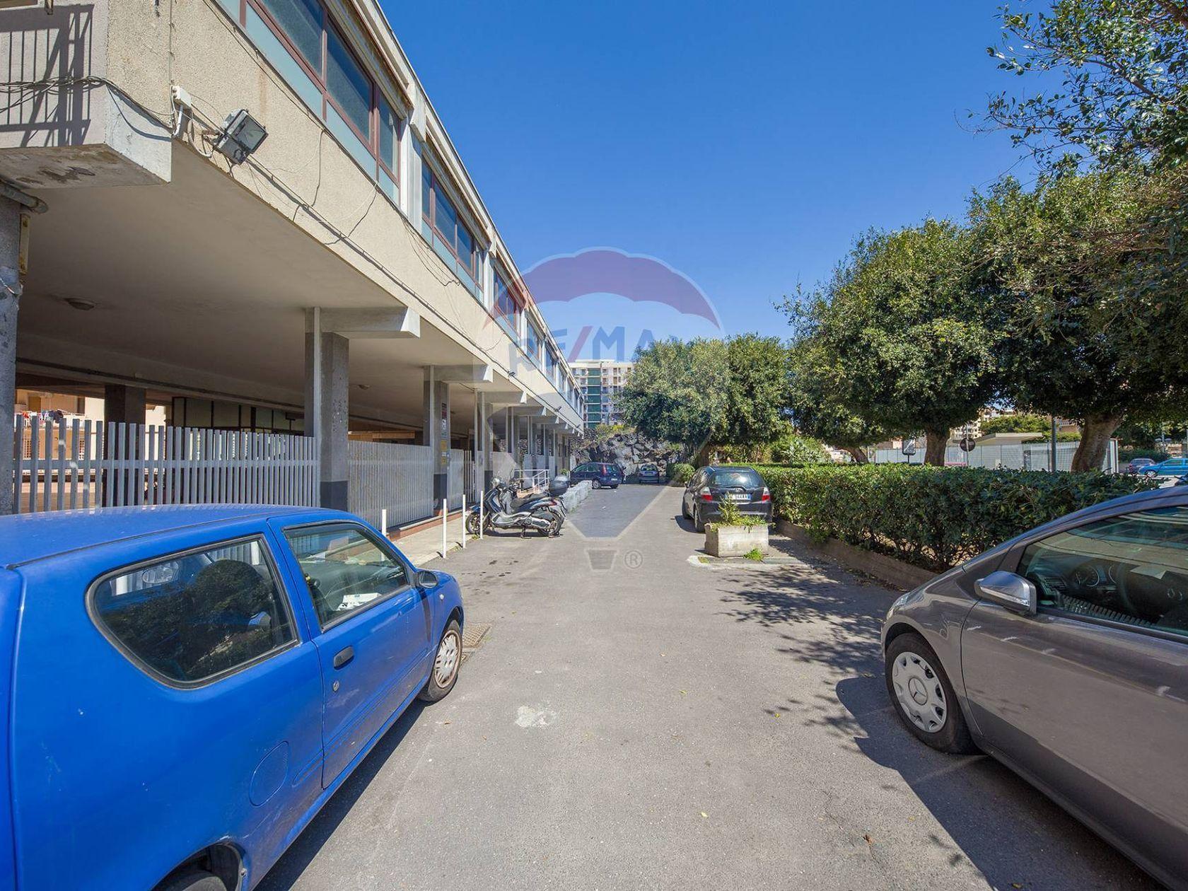Locale Commerciale Catania-ognina,picanello,ulisse, Catania, CT Vendita