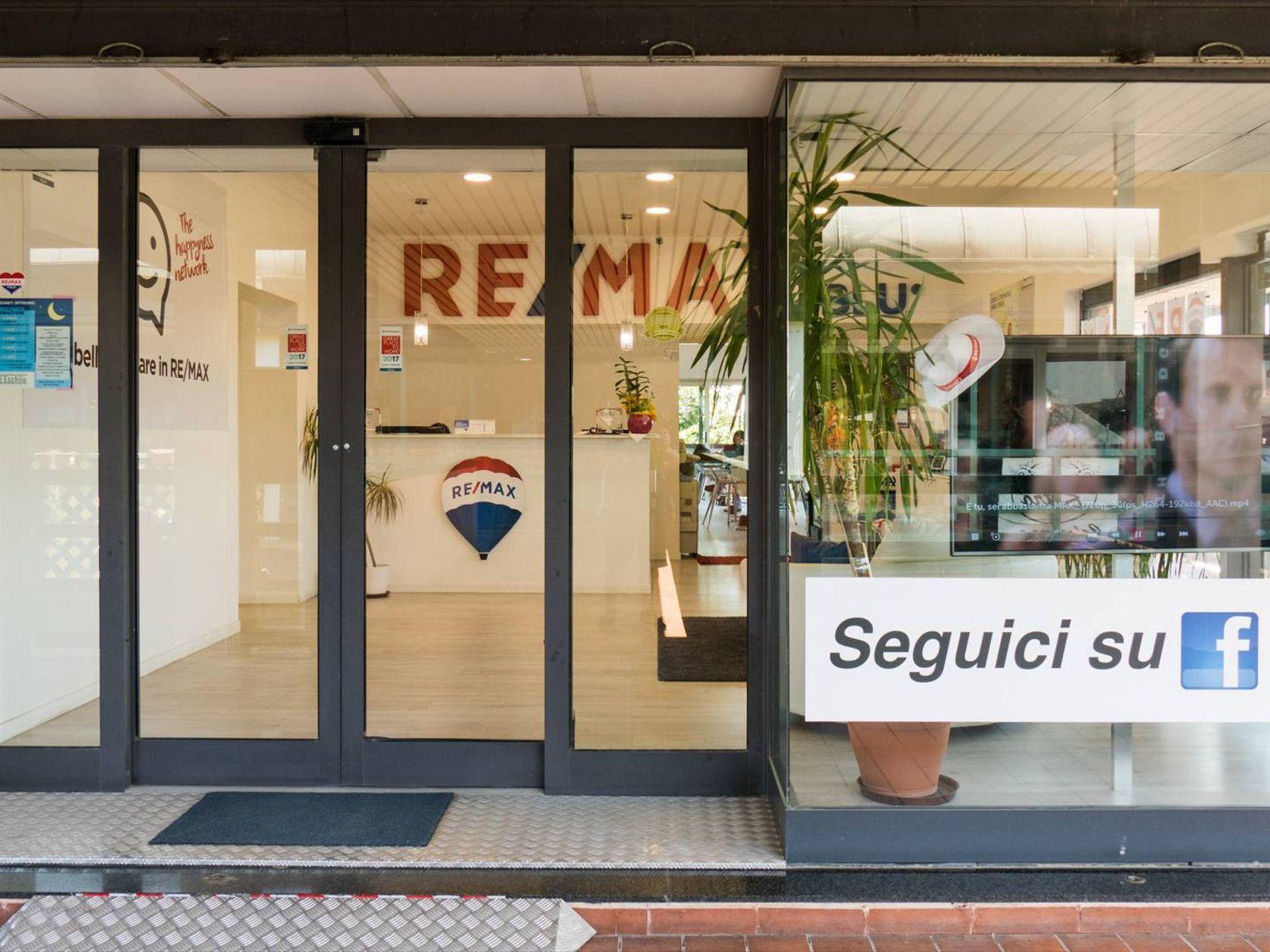 RE/MAX Blu Roma - Foto 2