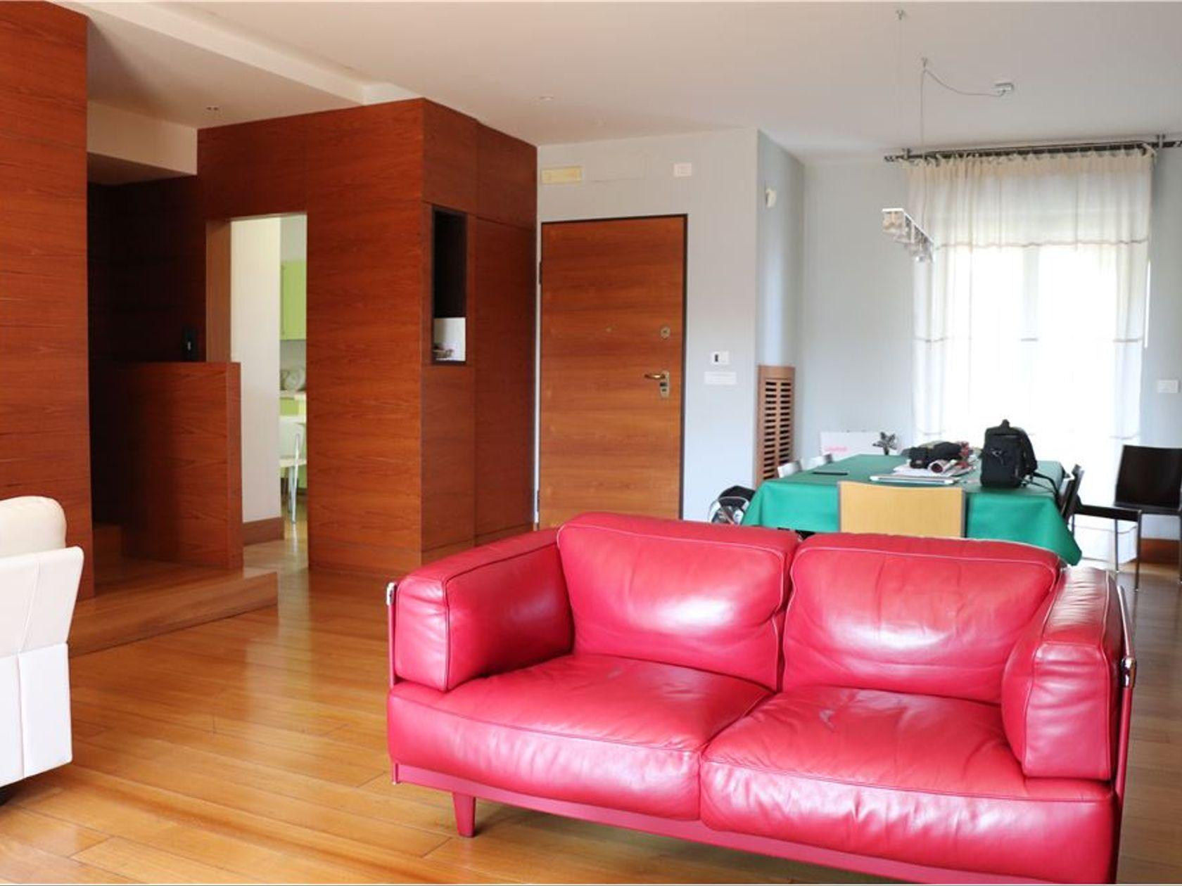 Armadi A Muro Su Misura Bari.Villa Singola In Vendita Bari 20031002 2956 Re Max Italia