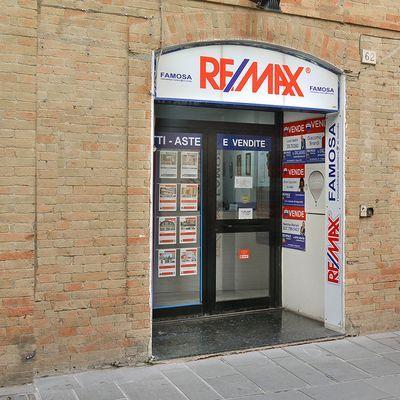 Re max famosa 3 agenzia immobiliare foligno for Immobiliare foligno