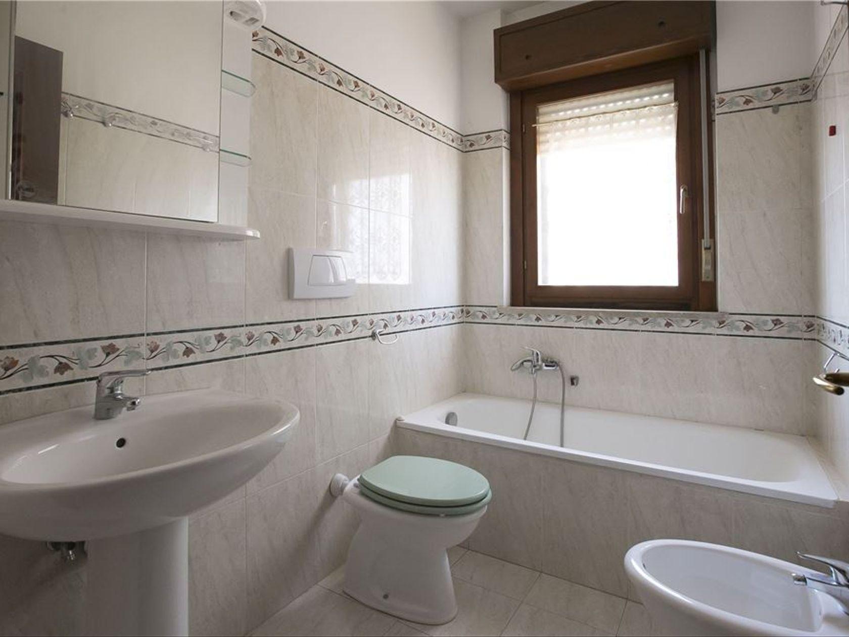 Appartamento Roma-acilia Vitinia Infernetto Axa Casal Palocco, Roma, RM Vendita - Foto 8