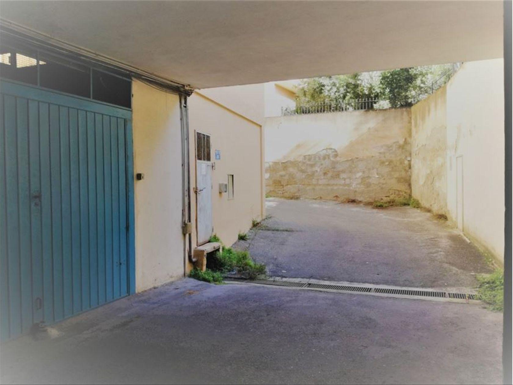 Garage/Box San Benedetto, Cagliari, CA Vendita