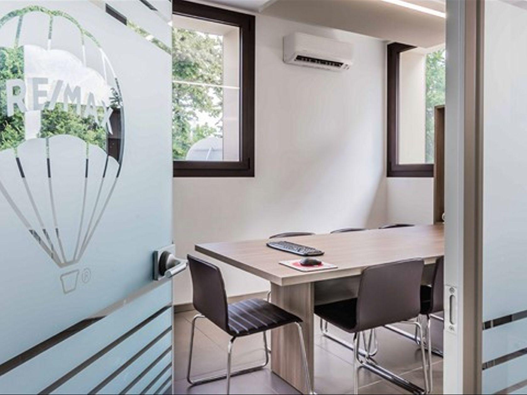 RE/MAX Professionisti Immobiliari Associati Busto Arsizio - Foto 3