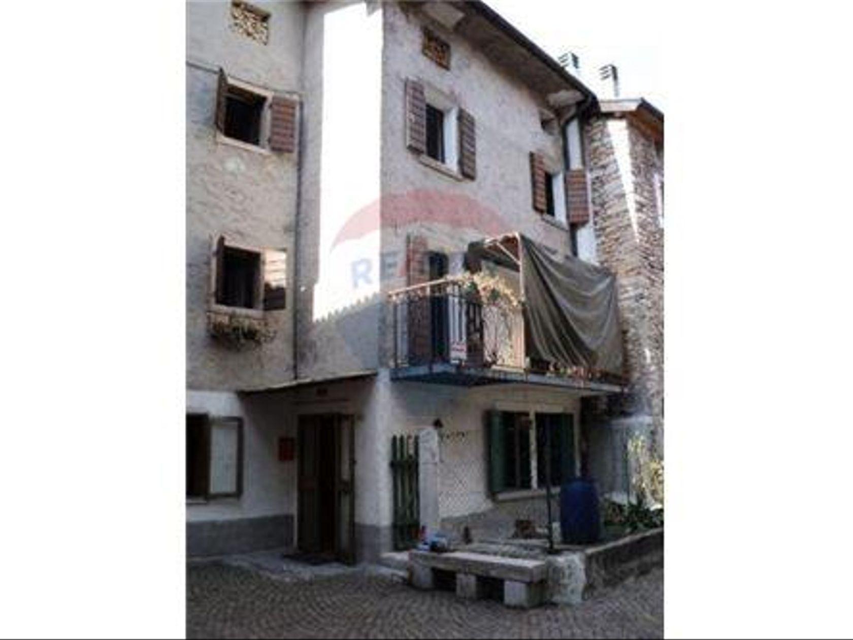 Casa Indipendente Castello Lavazzo, Longarone, BL Vendita