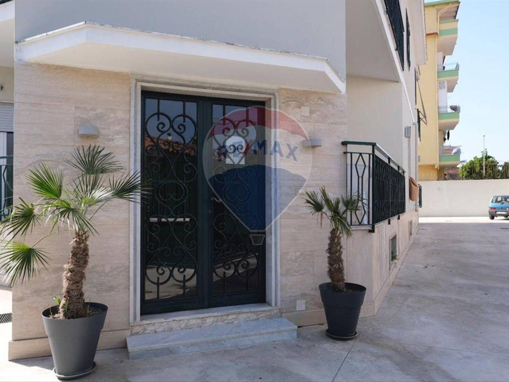 Casa Indipendente Zona stazione, Aversa, CE Vendita