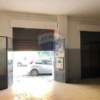 Locale commerciale in affitto foggia 33191008 2 re max for Affitto commerciale