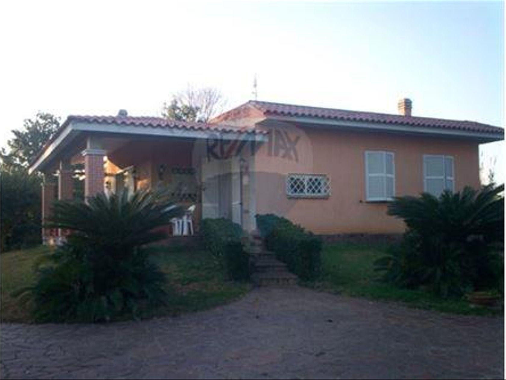 Casa Indipendente Nettuno-periferia, Nettuno, RM Vendita