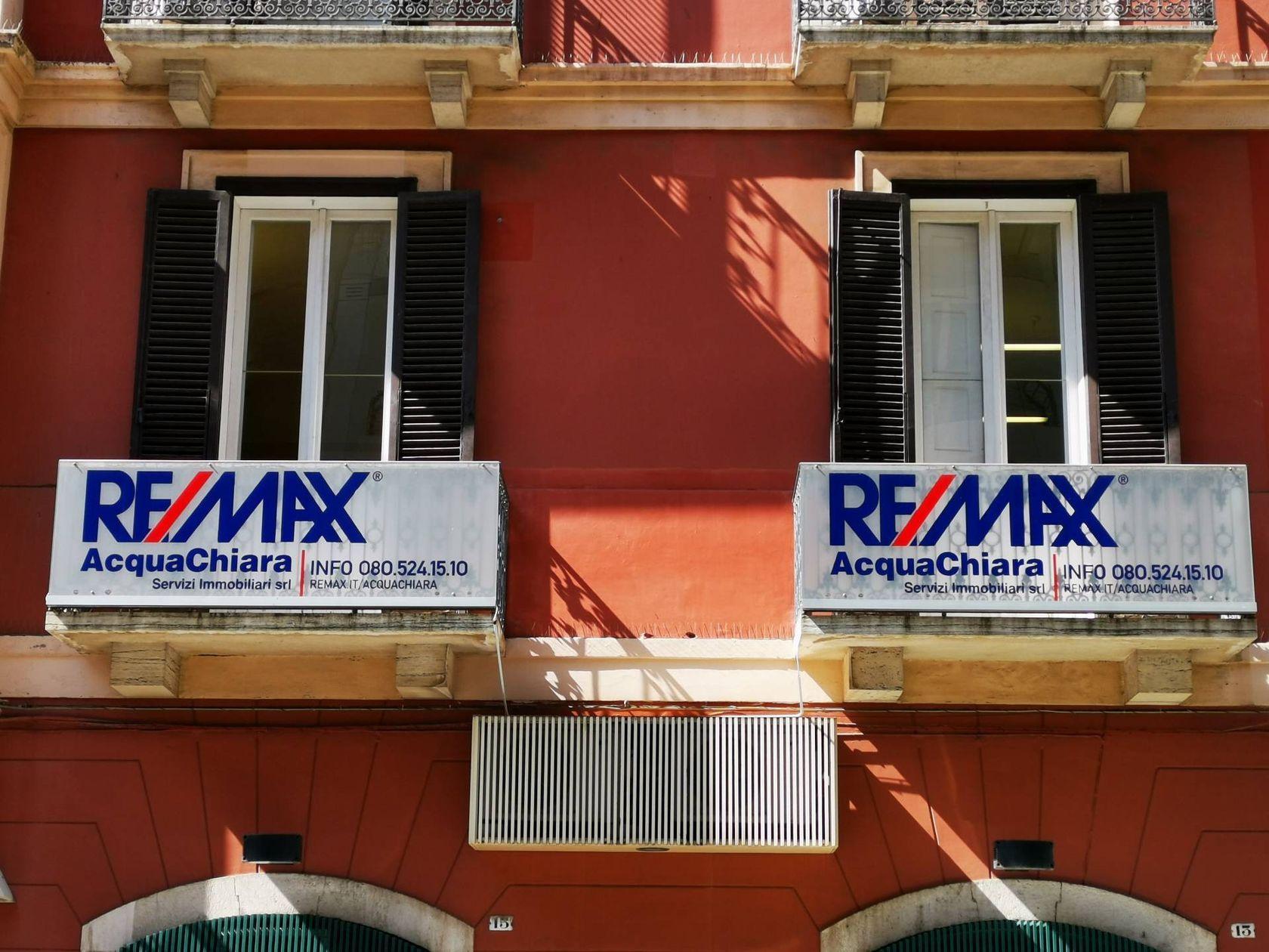 RE/MAX Acquachiara Bari - Foto 2