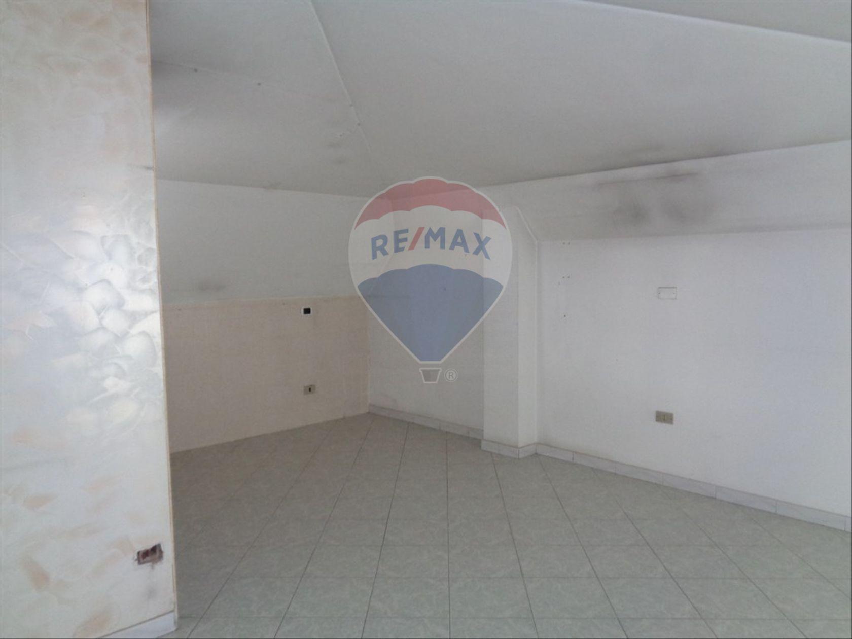 Appartamento Cesa, CE Affitto - Foto 2