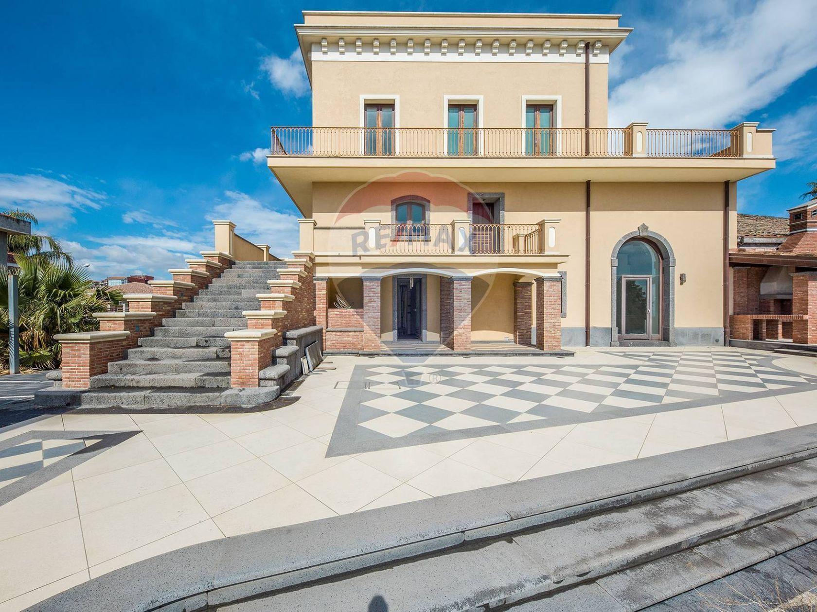 Villa singola Aci Sant'Antonio, CT Vendita