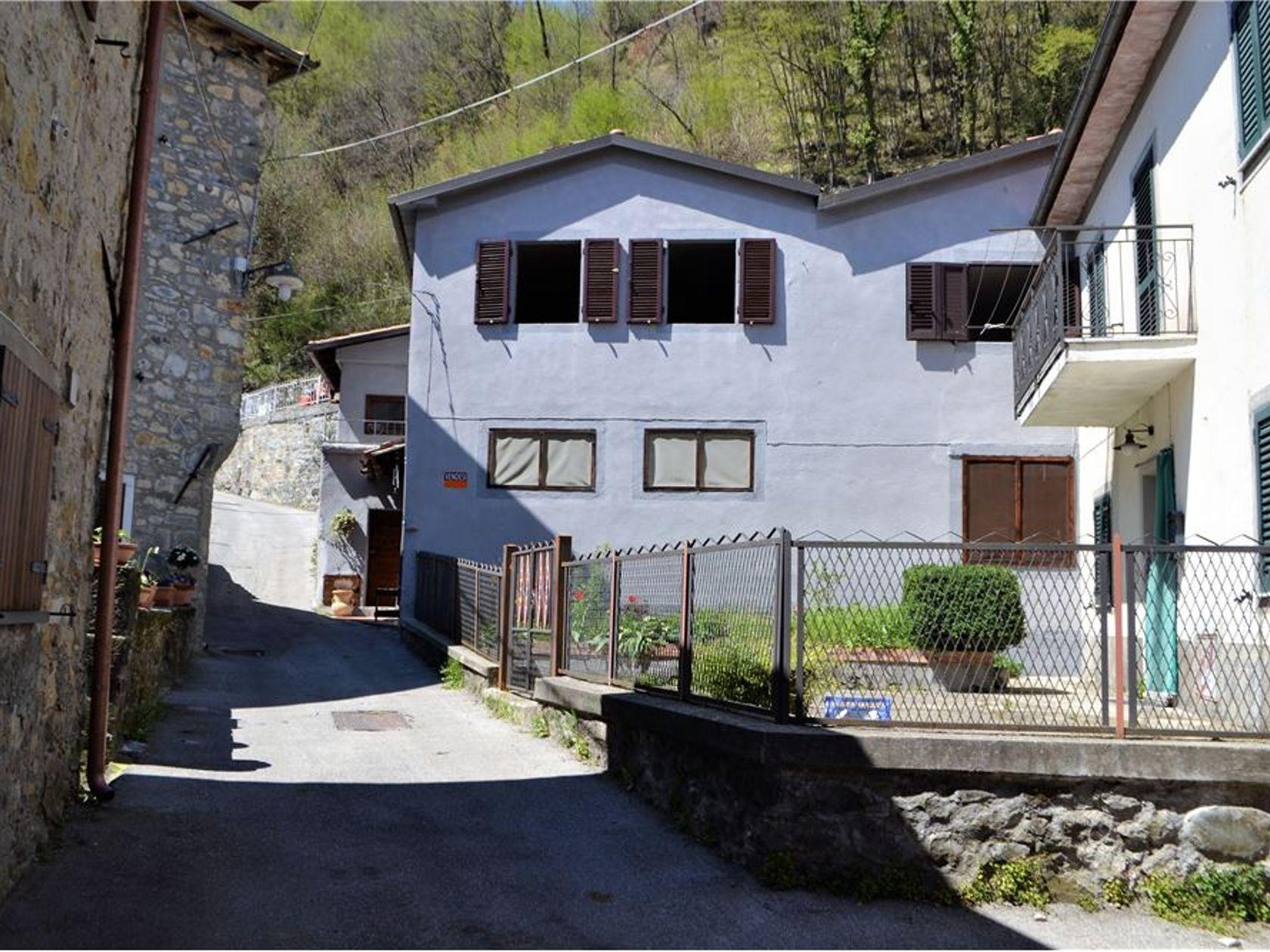 Casa Indipendente Piazza al Serchio, LU Vendita