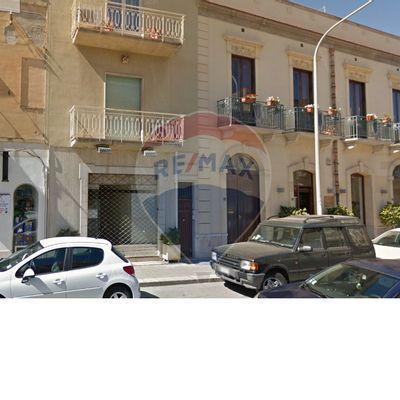 Locale Commerciale Zona pregiata, Trapani, TP Affitto