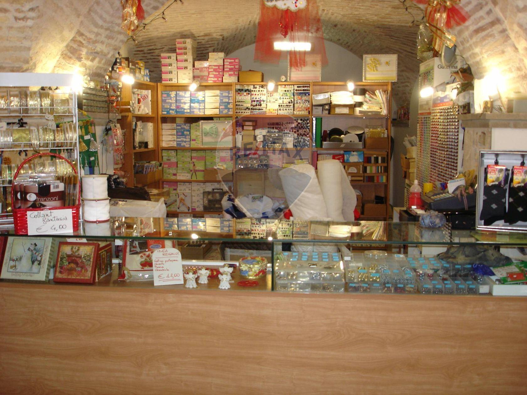 Locale Commerciale Centro storico, Chieti, CH Vendita - Foto 5
