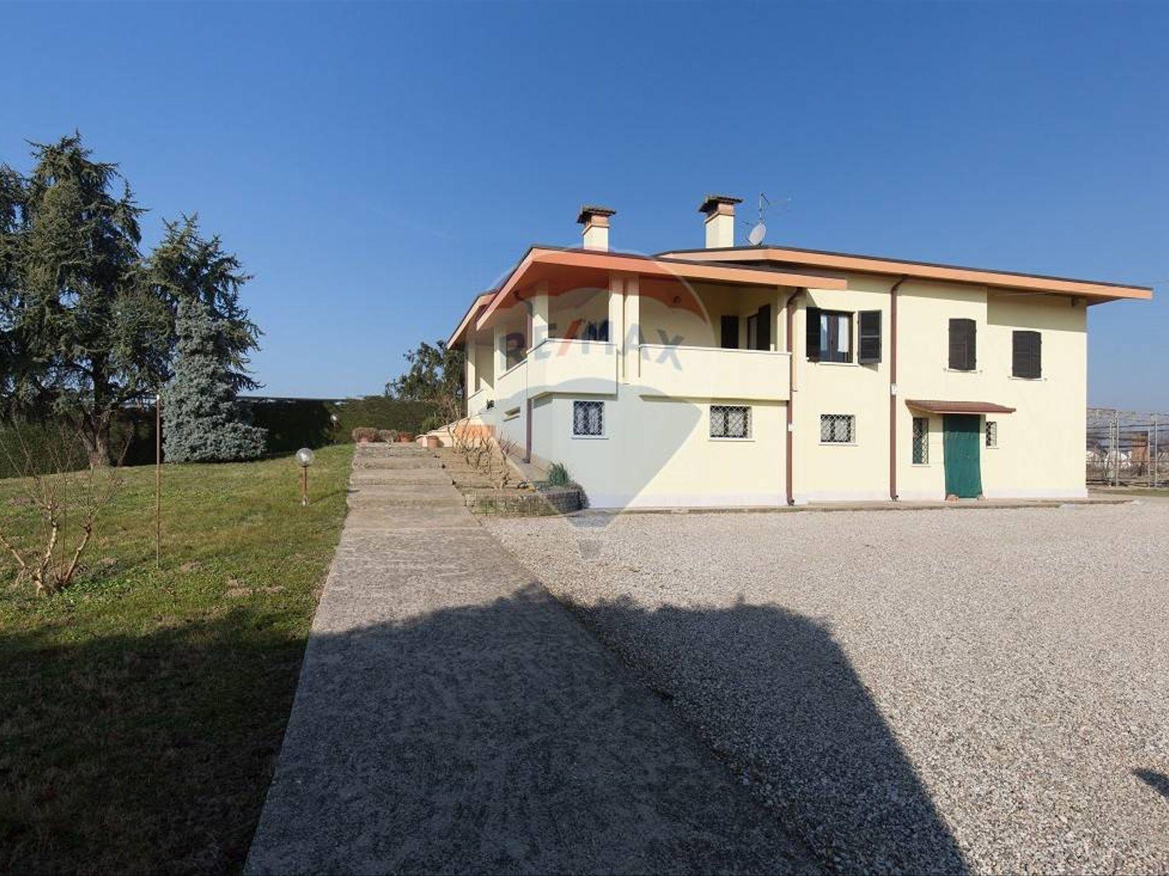 Casa Indipendente Ronco all'Adige, VR Vendita